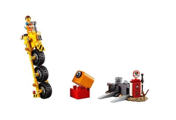 LEGO-Movie-2-70823-Emmet's-Thricycle-02-768x522-600x408