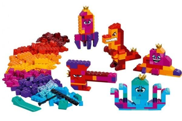 LEGO-Movie-2-70825-Queen-Watevra-Wa'Nabi's-Build-Whatever-Box-02-768x512-600x400