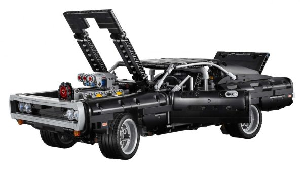 LEGO-Technic-Dom's-Dodge-Charger-42111-12-scaled-1-600x333