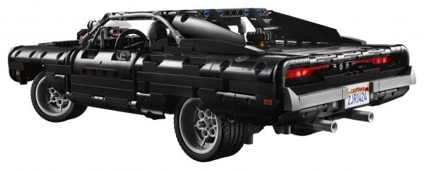 LEGO-Technic-Dom's-Dodge-Charger-42111-4-scaled-1-600x241