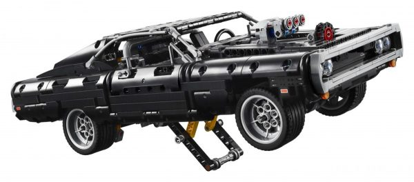 LEGO-Technic-Dom's-Dodge-Charger-42111-5-scaled-1-600x264