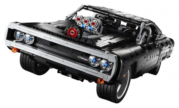 LEGO-Technic-Dom's-Dodge-Charger-42111-7-scaled-1-600x363