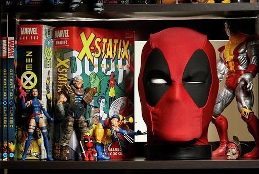 Marvel-Legends-Deadpool's-Head